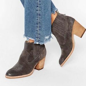 Dolce Vita Gray Suede Western Booties Size 8.5